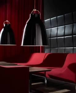 caravaggio_Pendant_Lightyears_CecilieManz_P4B_installatio_lounge